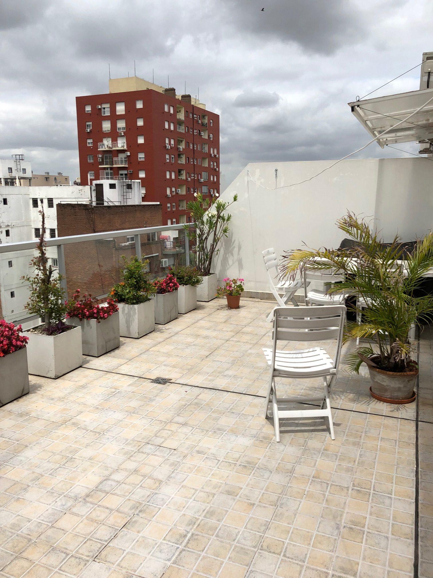 Piso 10° al frente con gran balcón terraza
